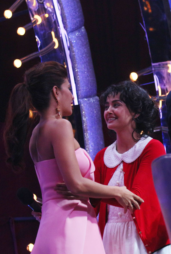 India Tv - Surveen Chawla and Jacqueline in Jhalak Dikhhla Jaa