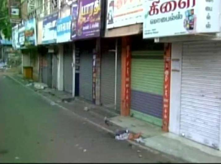 The bandh in Tamil Nadu began today with mixed results