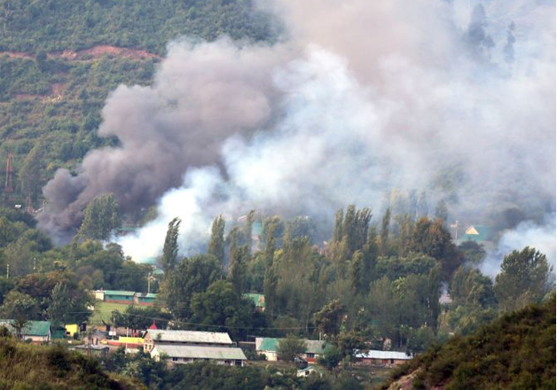 Uri terrorists cut fence at two places, belong to LeT: