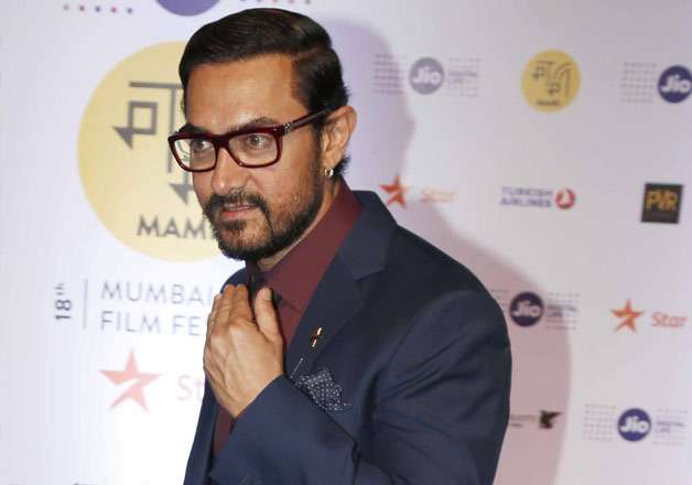 ADHM row: Aamir Khan dodges question on banning Pakistni
