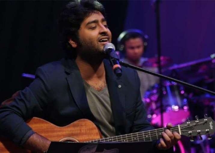 Arijit Singh lashes out at Abhijit Vaghani for retuning his