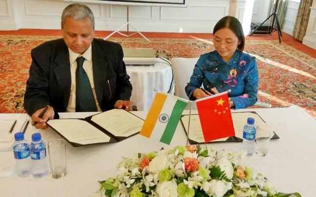 Vibrant Gujarat delegation leaderSanjay Prasad in China