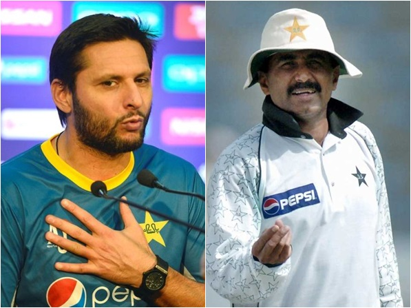Afridi apologises to Miandad following a threat from
