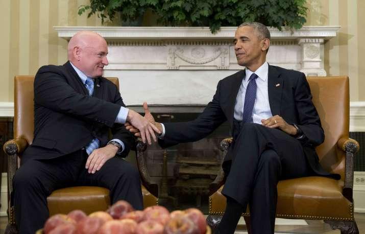 Astronaut Scott Kelly with US president Obama
