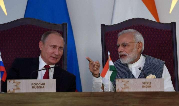 India Tv - PM Narendra Modi and Vladimir Putin at the agreement exchange ceremony