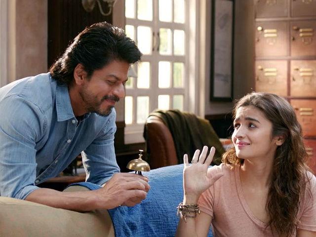 This habit of Shah Rukh Khan makes Alia Bhatt feel bad for