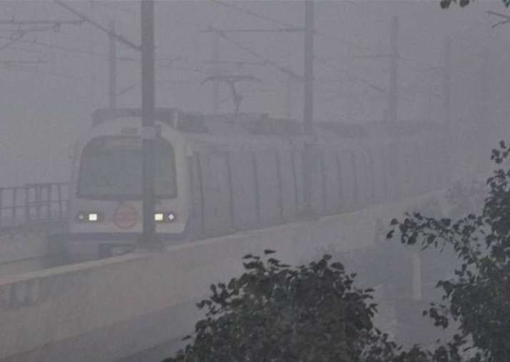 Delhi, North India witness season's first fog; flights