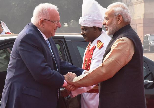 PM Modi receives President Reuven Rivlin at Rashtrapati