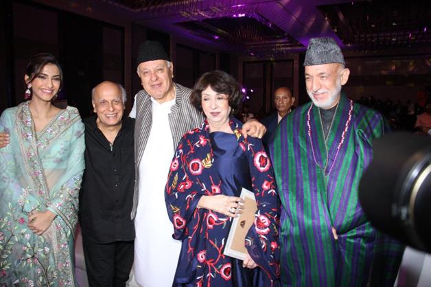 India Tv - Sonam Kapoor, Mahesh Bhatt, Farooq Abdullah, Hamid Karzai