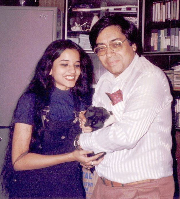 India Tv - Mona Lisa aka Antara Biswas with the mystery man