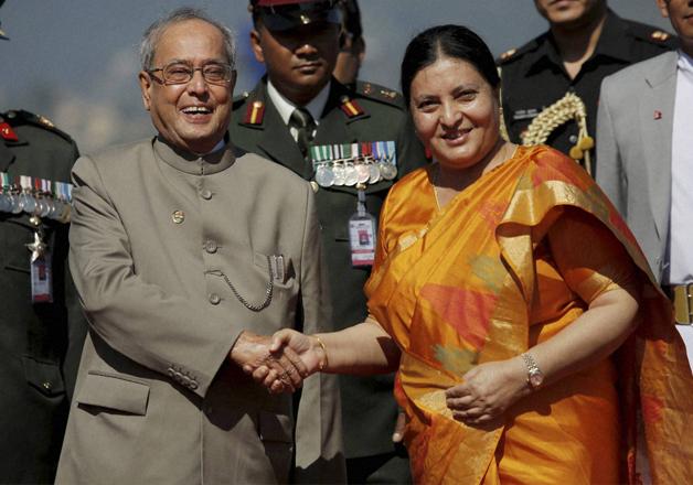 Nepal Prez Bidhya Devi Bhandari greets Pranab Mukherjee in