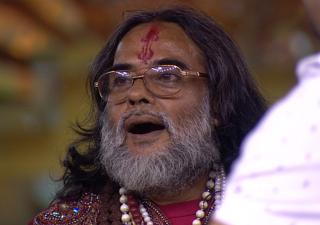 India Tv - Om Swamiji is back in the Bigg Boss 10 house