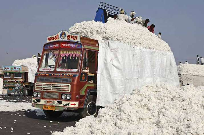 Pakistan suspends cotton import from India