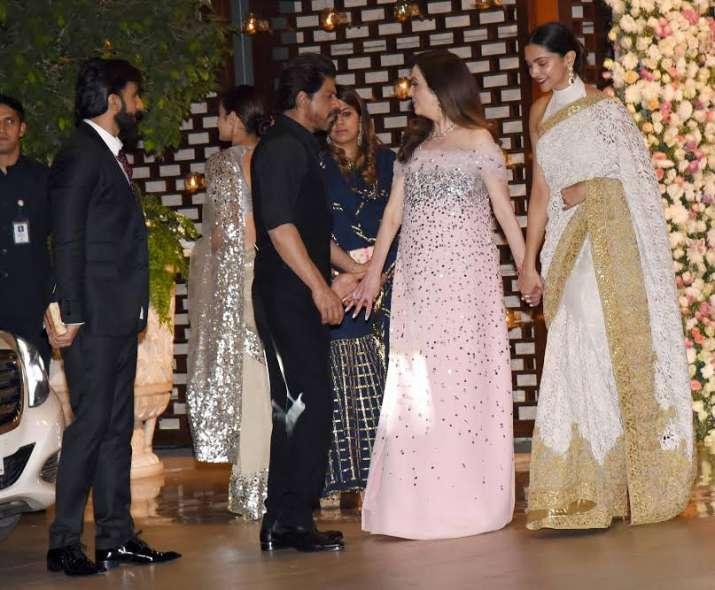 India Tv - Ranveer and Deepika quashed all break up rumours