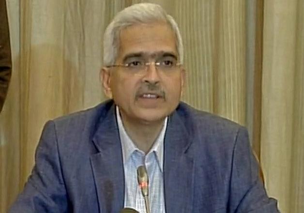 Economic Affairs Secretary Shaktikanta Das speaks to media