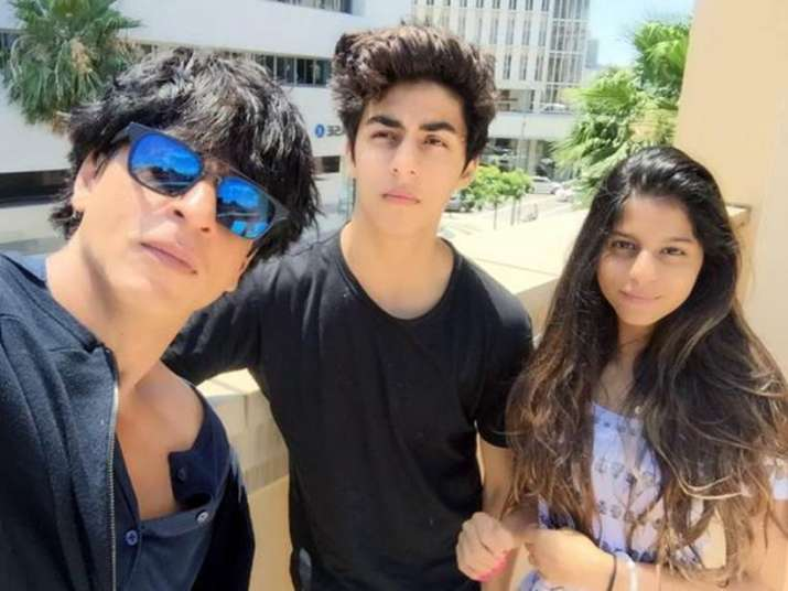 India Tv - Shah Rukh Khan with children Aryan and Suhana