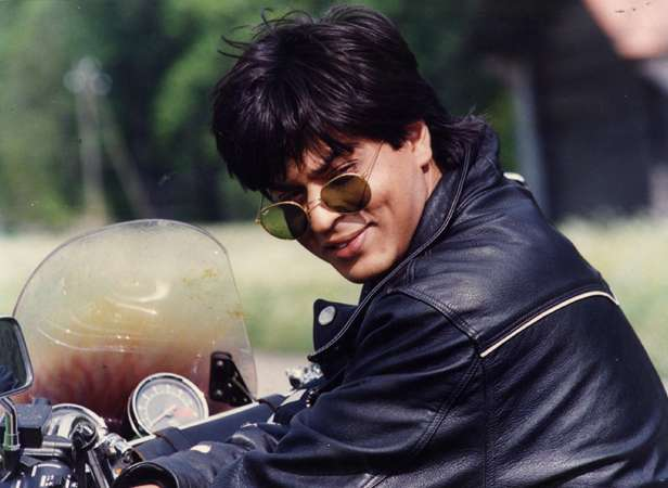 India Tv - Shah Rukh Khan's charm can make anyone happy