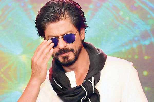 SRK supports PM Modi's 'Sandesh2Soldiers', initiative
