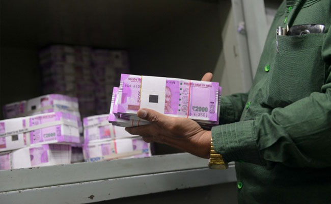 Two held with fake Rs 2,000, Rs 500 notes worth Rs 26.10