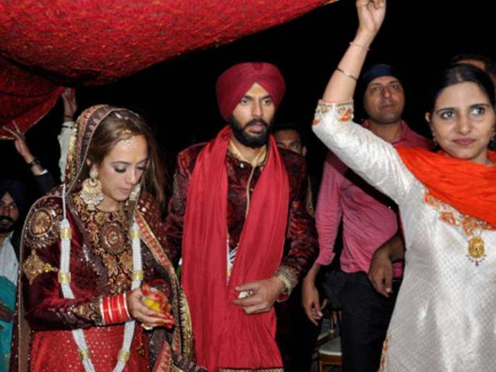 Post her wedding with Yuvraj, Hazel Keech becomes Gurbasant