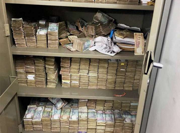 Bank deposits over Rs 5000 only once before dec 30