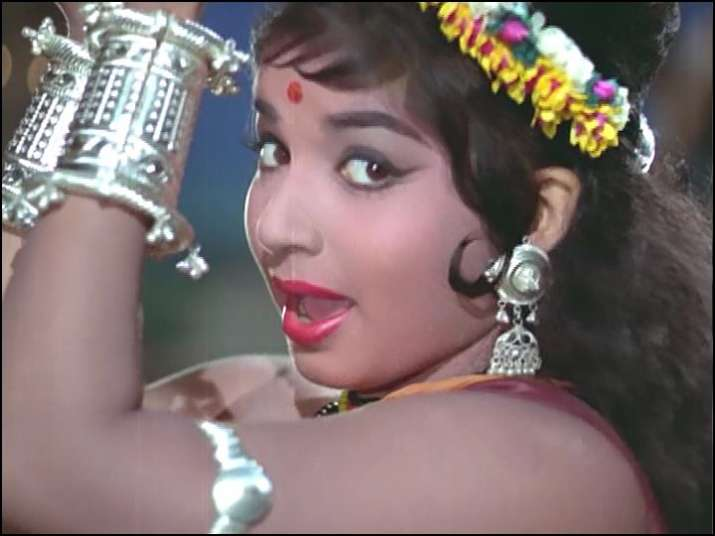 India Tv - Jayalalithaa played the role of a tribal girl Jhumki in it
