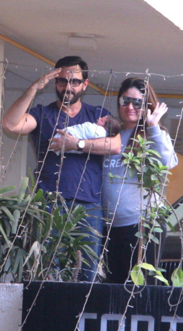 India Tv - Saif, Kareena and Taimur