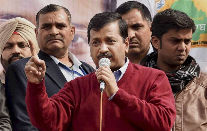 'Will EC dare to take action against Parrikar, Captain