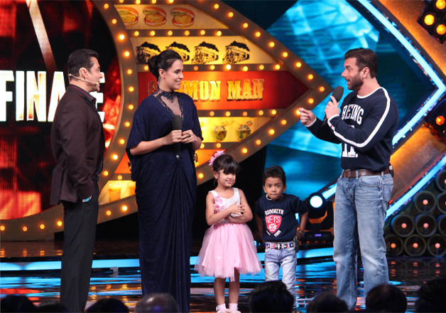 India Tv - Salman Khan, Neha Dhupia, Sohail Khan