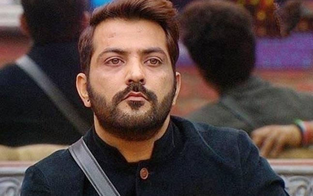 Manu Punjabi quits Bigg Boss, accepts Rs 10 lakh offer