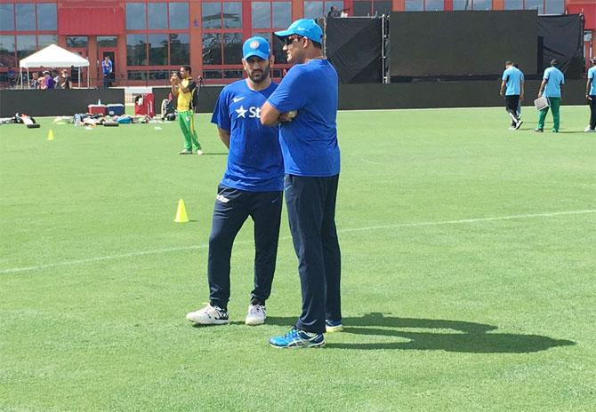Dhoni managed senior players well: Anil Kumble