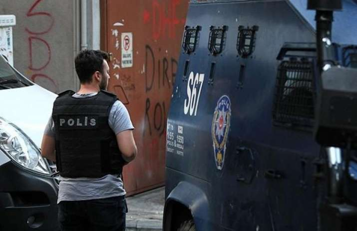 Istanbul detains 8 suspects over New Year gun attack