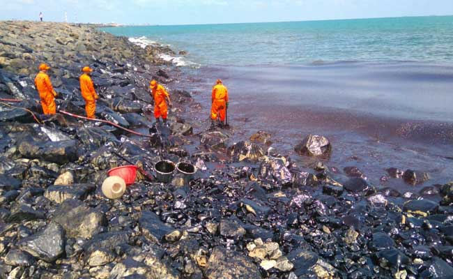 oast Guard, TNPCB coordinate operation to clear oil spill