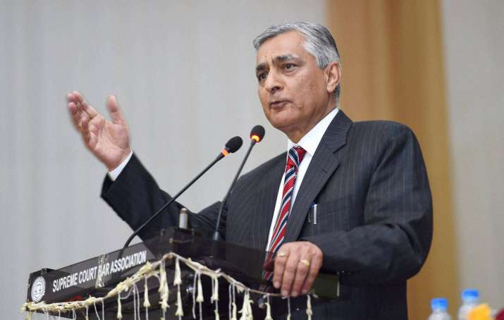 Justice TS Thakur speaking at his farewell function