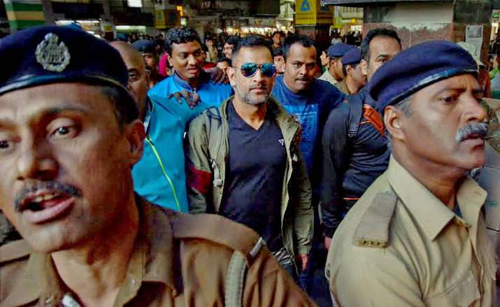 MS Dhoni travels in train 13 years