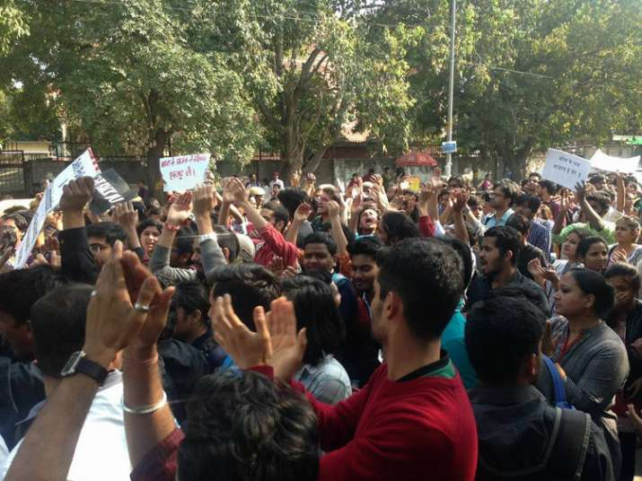 Students protest at ITO against alleged violence by ABVP