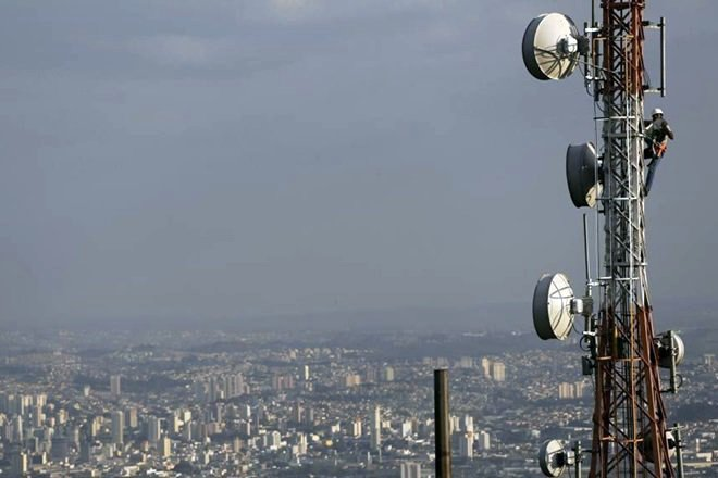 Govt to infuse Rs 10,000 cr in BharatNet in 2017-18