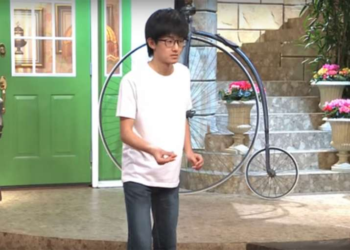 Satoyuki Fujimura can snap his fingers five times per second