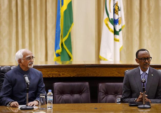 Hamid Ansari with President of Rwanda Paul Kagame at a