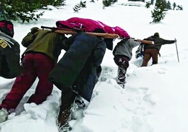 Army jawan treks 52km through snow in Kashmir carrying