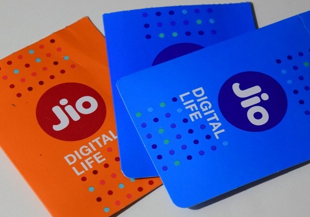 Jio plays Cupid, wishes rivals Airtel, Voda and Idea a