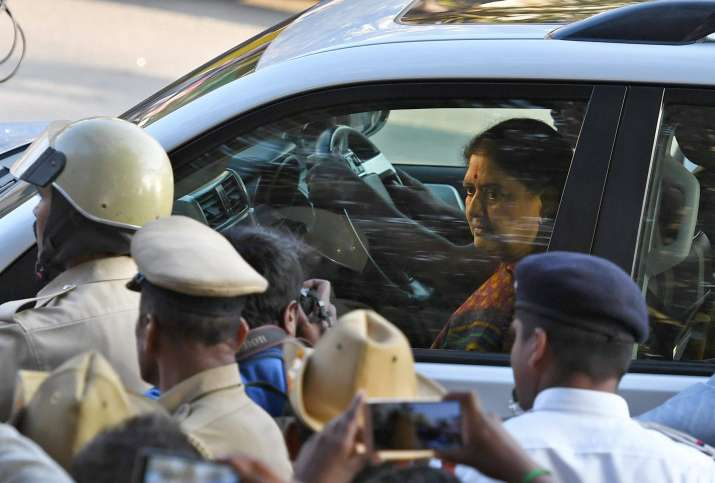 VK Sasikala arrives to surrender at the special court
