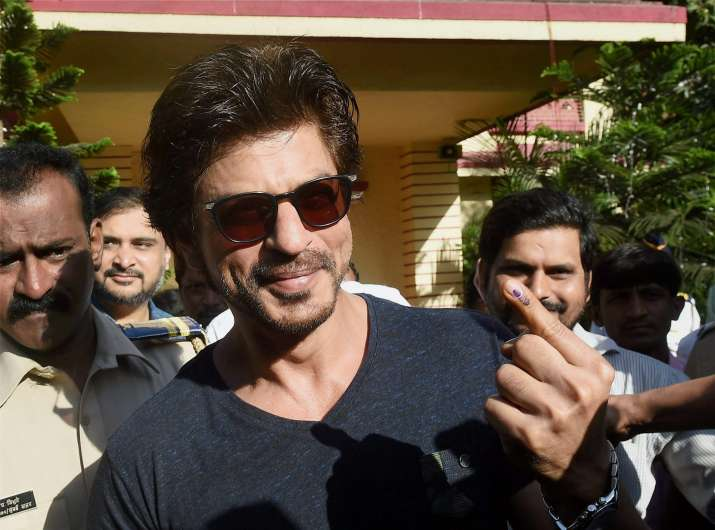 India Tv - Shah Rukh Khan showing his ink marked finger after casting vote in BMC polls