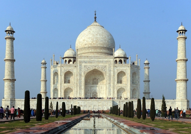 Taj Mahal turning yellow: NGT slaps fine on UP government