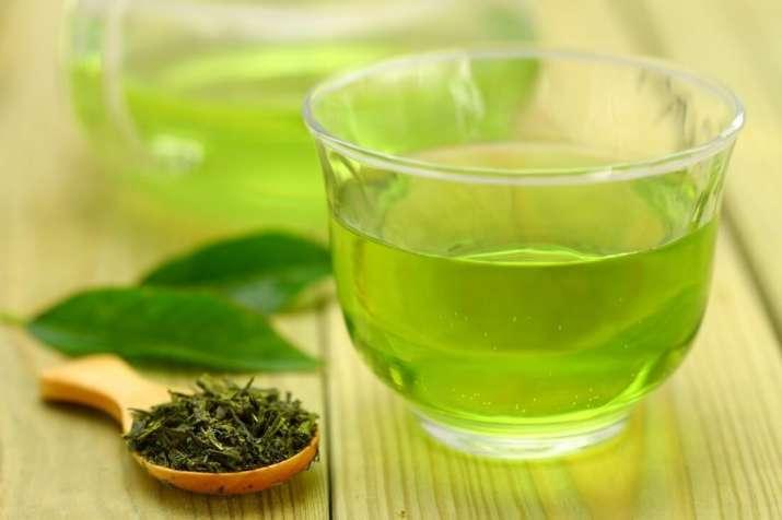 India Tv - green tea has antioxidants which prevent acne