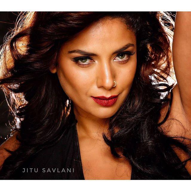 India Tv - Diandra Soares