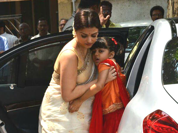India Tv - Aishwarya's dad Krishna Raj's prayer meet
