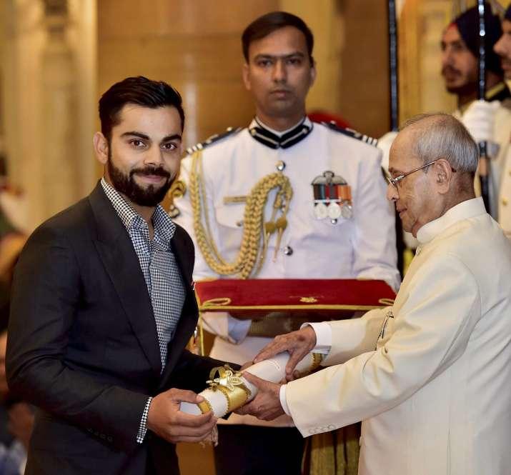 Virat Kohli receives Padma Shri award at Rashtrapati Bhavan