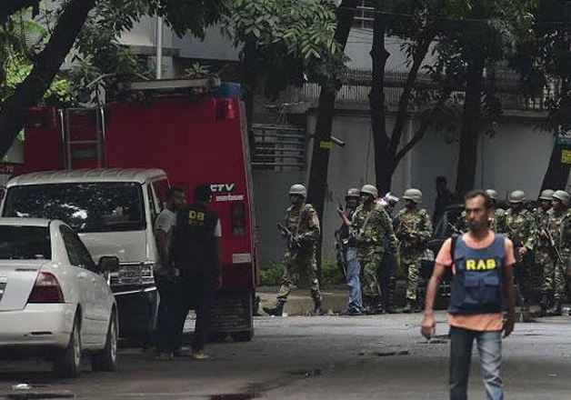 Suicide bomber blows himself up near RAB camp in Dhaka