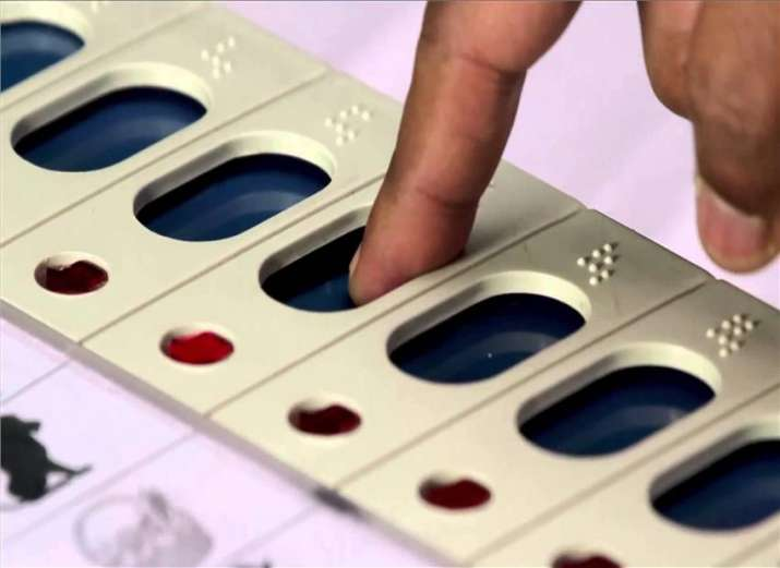 Supreme Court issues notice to EC on EVM tampering, seeks